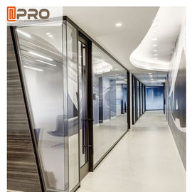 China Transparent Modular Office Partition , Tempered Glass Tall Office Partitions factory