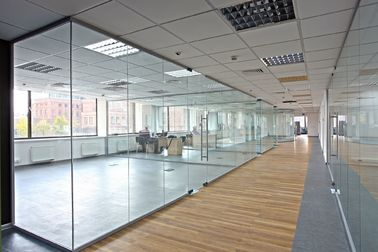 China Modern Double Glazed Office Partitions 6063-T5 Grade Aluminum Alloy Frame factory